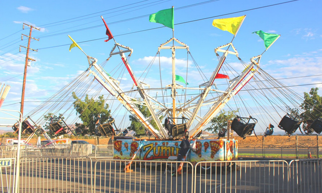Corporate.Carnival.Swing.Rides