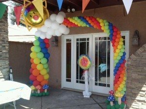 #rainbowballoonarch