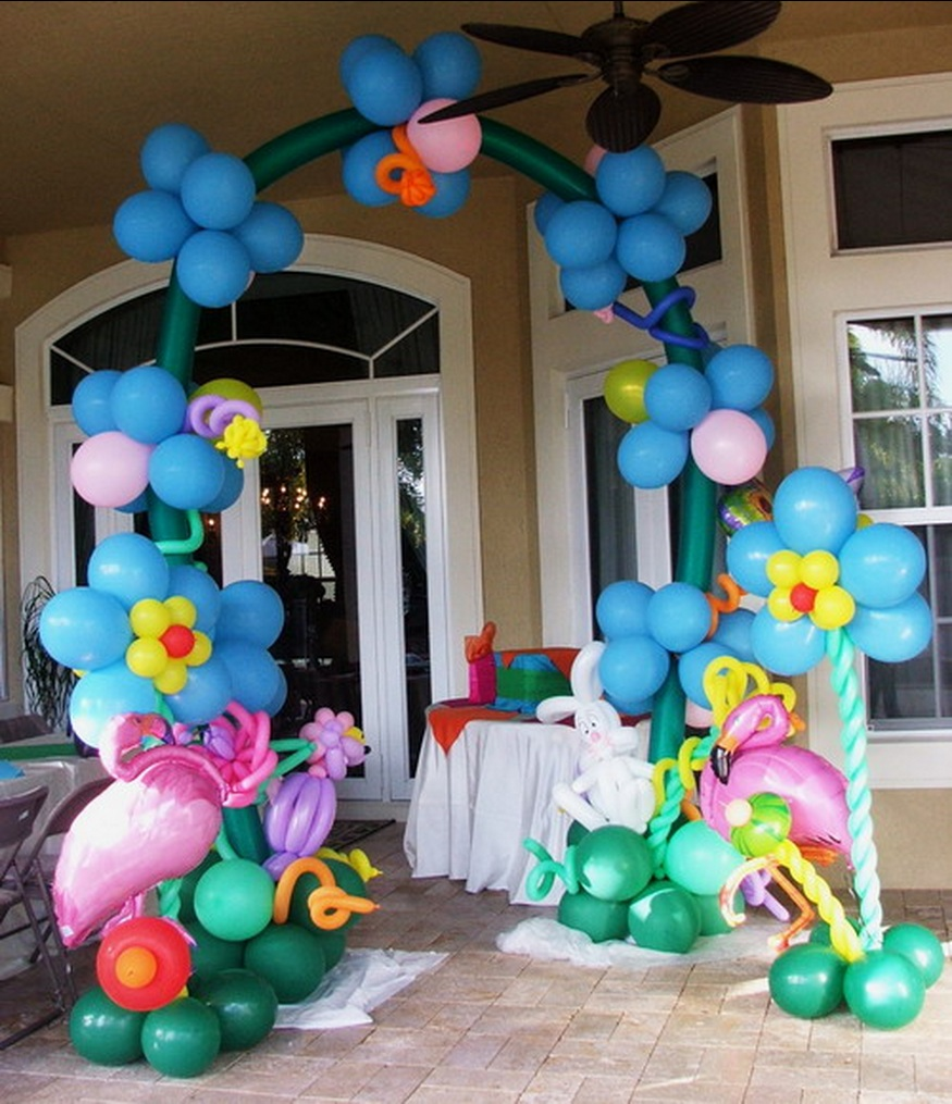 Alice in wonderland theme balloons celebrity party planner for Balloon decoration for kids party
